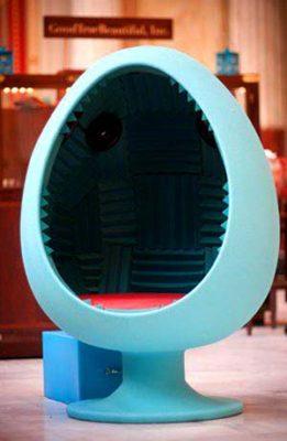 кресло яйцо с колонками