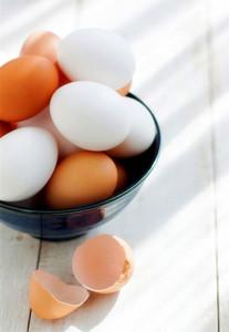 Не отравишься ли сырыми яйцами