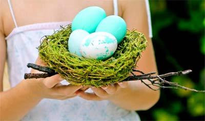 В какой цвет красят пасхальные яйца