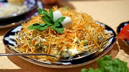 Салат Гнездо из перепелиных яиц